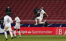 Benzema ghi bàn thắng muộn 'cứu' Real Madrid và La Liga