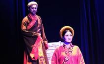 Thành Thăng Long thuở ấy: Phận đàn bà trên bàn cờ thế cuộc