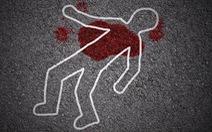 Con gái lớp 10 đi học về buổi trưa thấy cha mẹ đã chết