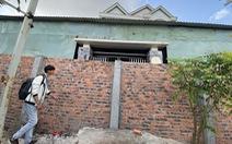 Xây tường rào chắn ngang cổng nhà hàng xóm: Có thể nhờ tòa giải quyết