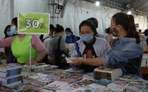 Sách giảm giá tới 80%, còn 10.000 - 20.000 đồng hút bạn trẻ