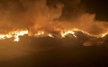 Cháy dữ dội tại bãi vải phế liệu rộng 3.000m2, cột khói cao cả trăm mét