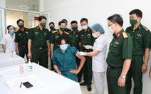 Tiêm vắc xin COVID-19 cho cán bộ tham gia Giao lưu hữu nghị quốc phòng biên giới Việt - Trung