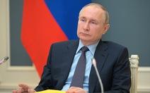 Vừa áp xong một loạt lệnh trừng phạt, ông Biden kêu gọi giảm căng thẳng với Nga