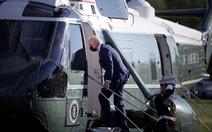 Bị phản đối vì giữ ngưỡng tị nạn giống ông Trump, ông Biden vội sửa sai