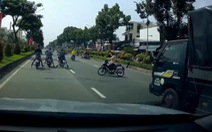 Người dân lại quay clip 'quái xế' lộng hành chặn đường Trường Chinh 'thi' tốc độ