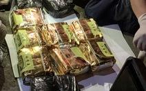 Bắt người đàn ông mang 11kg ma túy khi sắp lên xe từ Quảng Trị vào TP.HCM