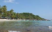 Du lịch biển hút khách vào mùa hè