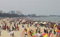 Sầm Sơn công bố một loạt số điện thoại chống 'chặt chém' khách du lịch