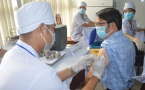 Sóc Trăng bắt đầu tiêm vắc xin COVID-19 cho gần 7.500 cán bộ y tế, bộ đội biên phòng...