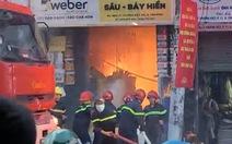 Cháy lớn gần Bệnh viện Thống Nhất giờ cao điểm