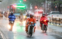 Miền Bắc mưa lớn, có nơi trên 120mm, miền Nam mưa dông chiều tối