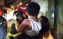 Cháy chung cư mini, PCCC TP.HCM điều xe thang cứu 24 người