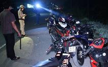 Bắt 14 thanh thiếu niên chạy xe máy tốc độ cao trên quốc lộ 53