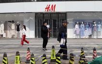 Trung Quốc tấn công dồn dập nhà bán lẻ quần áo thời trang H&M