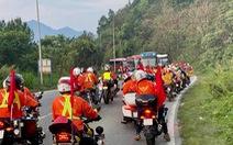 Kẹt xe nghiêm trọng, đoàn đua xe đạp Cúp truyền hình mắc kẹt trên đèo Bảo Lộc
