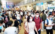 Khách đi lại đông đúc dịp 30-4, Tân Sơn Nhất 'hóa giải' ùn tắc ra sao?