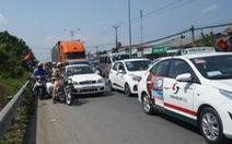 Xe kẹt cứng dịp lễ: Do xe đông hay do ý thức tài xế?
