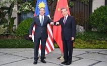 Gọi ngoại trưởng Trung Quốc là 'đại ca', ngoại trưởng Malaysia phải lên mạng đính chính
