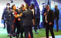 Video:  Neymar chửi bới, xô xát và suýt đánh nhau với Djalo trong đường hầm