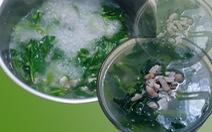 Món canh rau muống nấu đậu phộng của cha
