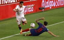 Jan Oblak lần thứ hai liên tiếp cản phạt đền, Atletico Madrid vẫn thua Sevilla