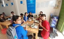 Khai trương quán cơm 'Yên vui Long Xuyên' giúp người nghèo có cơm ăn