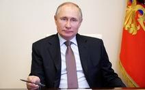 Ông Putin ký luật mở đường để làm tổng thống tới năm 2036