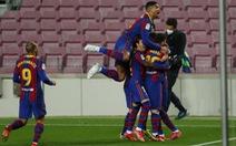 Bàn thắng phút 90 giúp Barca bám sát Atletico Madrid