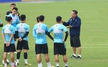 Vòng 8 V-League 2021: Chờ màn ra mắt của tân HLV Hoàng Văn Phúc