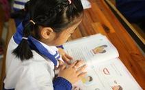 Giá sách giáo khoa lớp 2, lớp 6 mới: cao nhất hơn 300.000 đồng/bộ