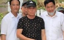 Vì sao không còng tay nghi phạm bắn chết 2 người ở Nghệ An?