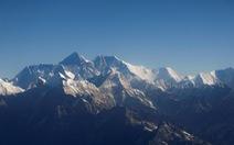 Trung Quốc lập hàng rào trên đỉnh Everest chống dịch tràn từ Nepal