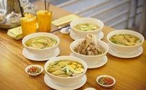Dân Sài Gòn đổ xô thưởng thức món Mì gà Xá Kén đặc biệt