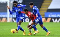 Leicester vẫn yếu bóng vía