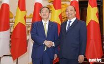 Chủ tịch Nguyễn Xuân Phúc điện đàm với Thủ tướng Nhật Bản Suga Yoshihide
