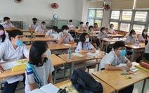 Dịch đang phức tạp, sao lại 'lùa' học sinh đi học sớm?