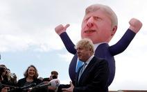 Thủ tướng Anh bị điều tra vì xuất ngoại nghỉ dưỡng sang chảnh cùng hôn thê