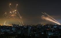 Video lá chắn Vòm Sắt của Israel đánh chặn rocket từ Dải Gaza