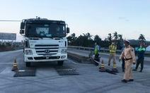Xử nghiêm vụ xe chở 85 tấn hàng, vượt tải hơn 20 tấn trên cao tốc Đà Nẵng - Quảng Ngãi