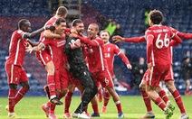 Alisson ghi bàn phút 90+5, Liverpool sống lại hi vọng dự Champions League