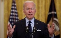 Vợ chồng ông Biden đóng thuế hơn 4 tỉ đồng, nói người giàu nên đóng thuế nhiều hơn