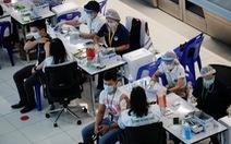 Nhiều người Thái Lan chọn tour du lịch tiêm vắc xin ở nước ngoài