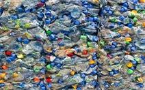 Biến rác thải nhựa thành nhiên liệu máy bay trong 1 giờ