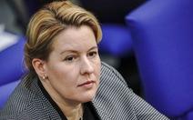 Bộ trưởng Đức từ chức vì đạo văn luận án tiến sĩ