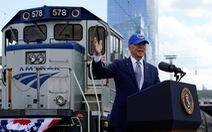 Ông Biden đầu tư cho xe lửa kiểu 'ăn chắc mặc bền'
