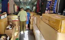 Kiểm tra xe tải và cửa hàng ở Phú Nhuận, tạm giữ hàng ngàn mỹ phẩm nghi nhập lậu