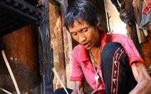 'Người rừng' Hồ Văn Lang bị ung thư, ánh mắt nhớ rừng, đôi chân mỏi mệt
