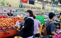 Không còn lê la hàng quán, người dân Sài Gòn gặp được khuyến mãi ồ ạt ở siêu thị