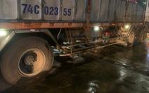 Xe tải tông xe máy, 1 người chết tại chỗ, 1 người 'dính' vào hông xe tải chạy 20km mới biết còn sống